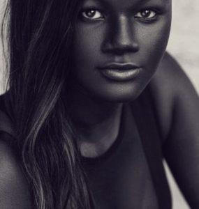 Khoudia diop vittima del bullismo per la pelle troppo nera