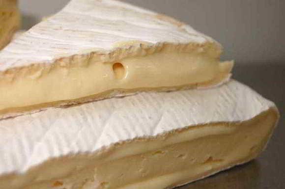 Listeria in formaggio brie dalla Francia ritirato dai mercati di mezza europa