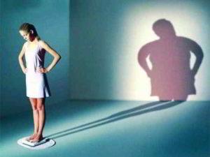 i segnali per riconoscere l'anoressia