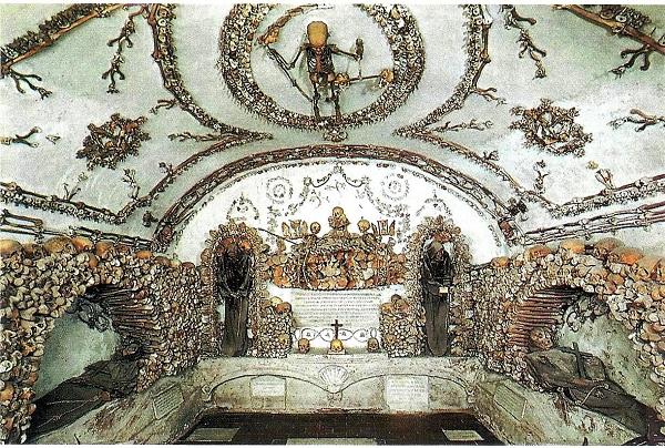 L'ossario dei Cappuccini di Via Veneto a Roma