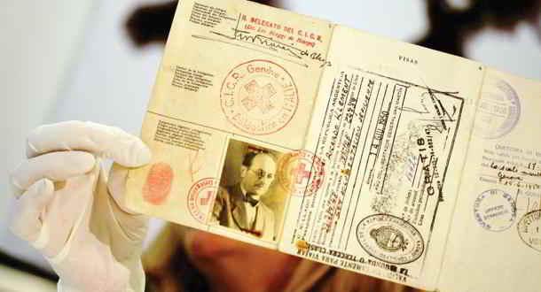 ODESSA nazista: il passaporto delle Croce Rossa Internazionale di Adolf Eichmann