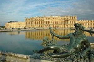La regia di Versailles: la storia, gli artisti e gli aneddoti sulla sua costruzione