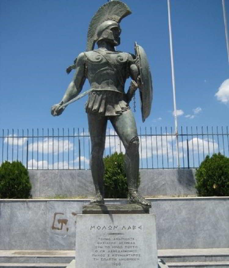 Leonida e la battaglia delle Termopoli: breve cronaca di un epico scontro che, salvando la Grecia dall'invasione persiana, preservò la civiltà occidentale
